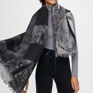 Aritzia Haus Party Blanket Scarf